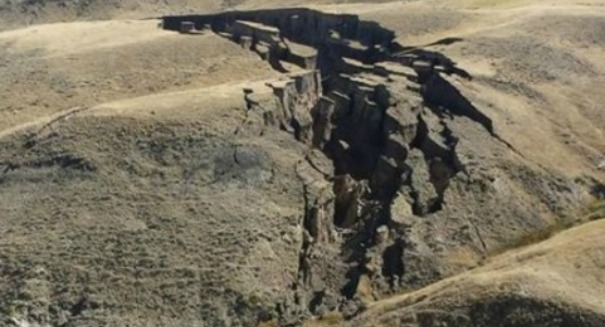 Fears of sudden volcano after huge crack opens on Wyoming ranch