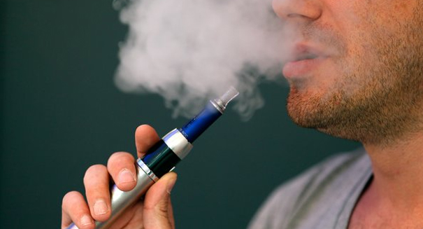 Health officials endorse e-cigarettes, contradicting earlier studies