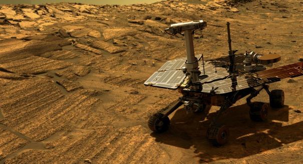 Curiosity comes across massive, mysterious dunes on Mars