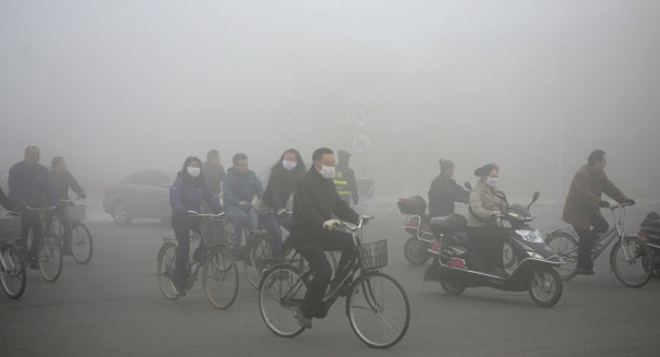 Emergency: Authorities scramble as massive smog rolls into China