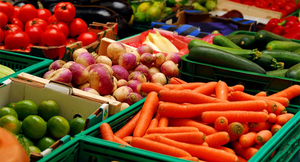 Fruits and veggies are not created equal with regard to weight loss